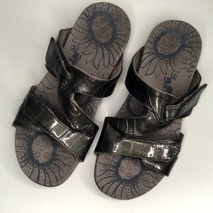 Vionic orthopedic sandals.